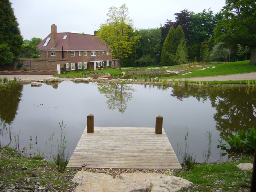 2008 winner domestic garden construction between £100,000 - £200,000, Amersham, Bucks