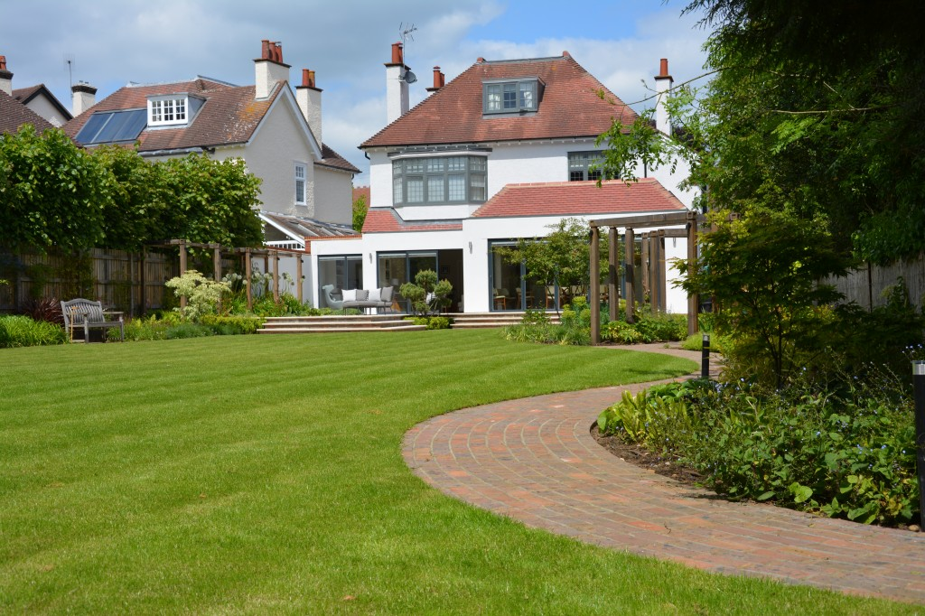 2015 winner Domestic Garden Construction, between £100k – £250k, Harpenden, Herts