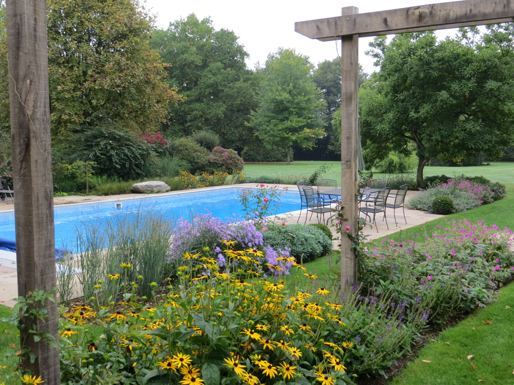 Garden design team in hertfordshire led by james scott for The garden design team newark