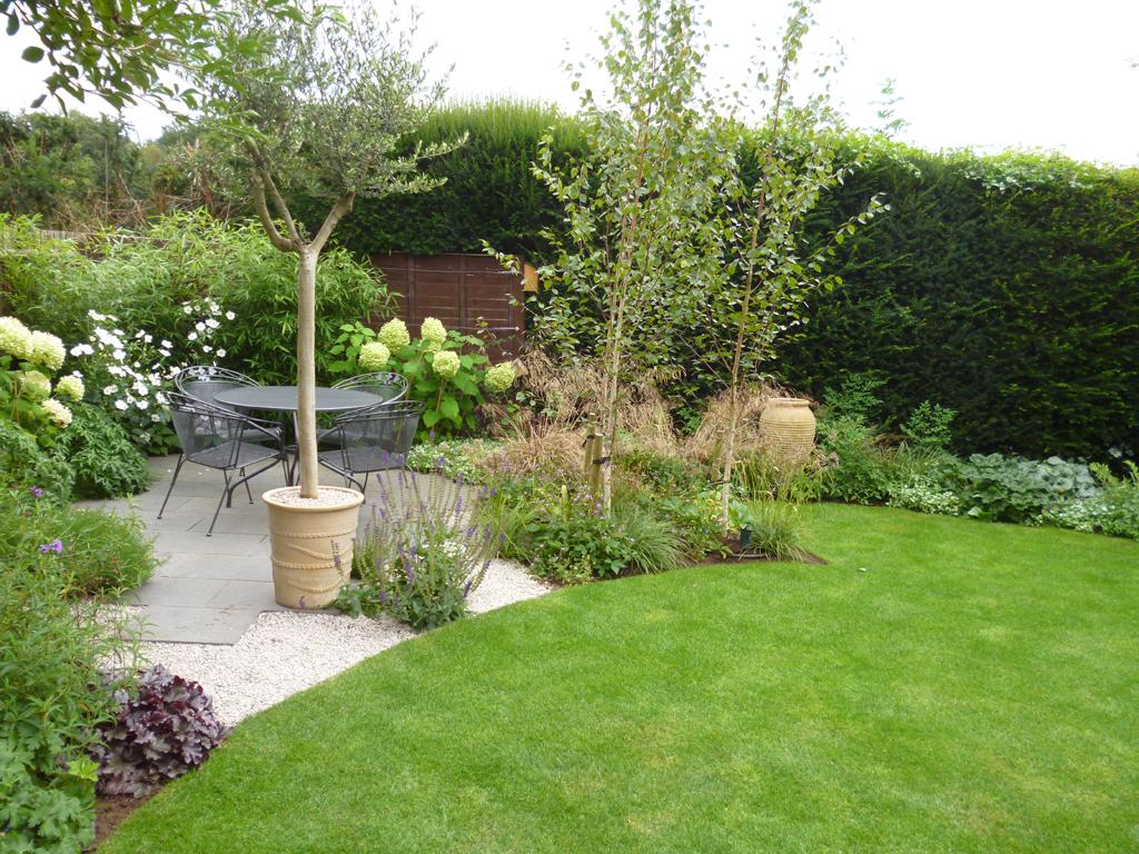 Small garden design in Rickmansworth, Hertfordshire ...