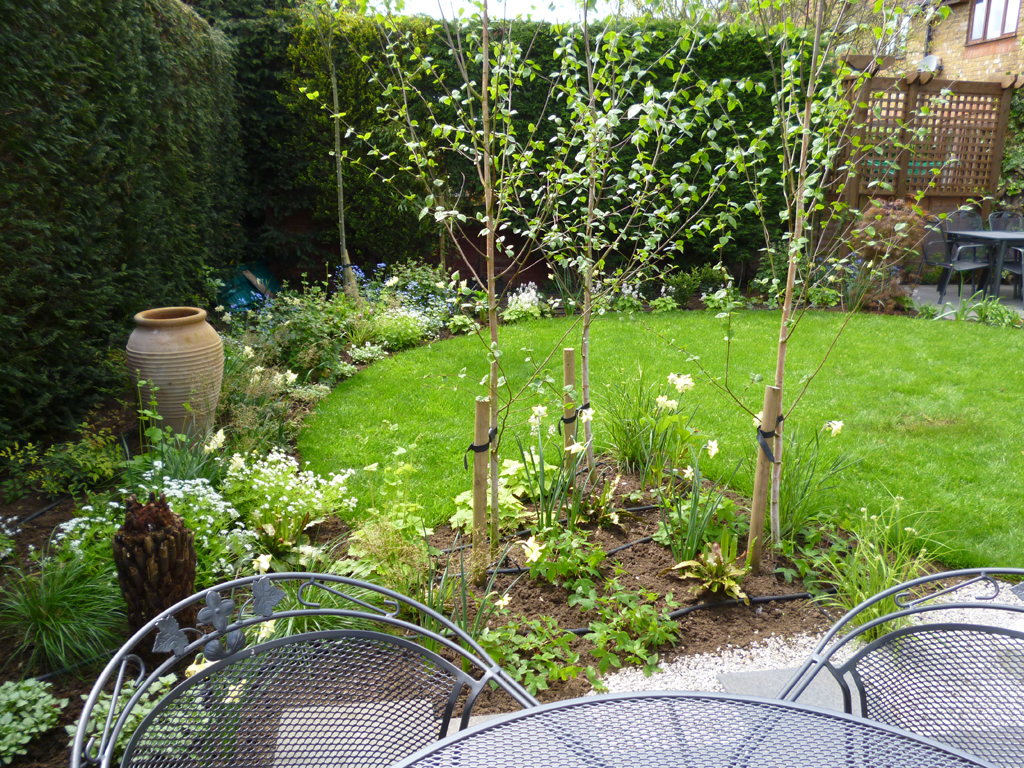Small garden design in rickmansworth hertfordshire for Garden design hertfordshire