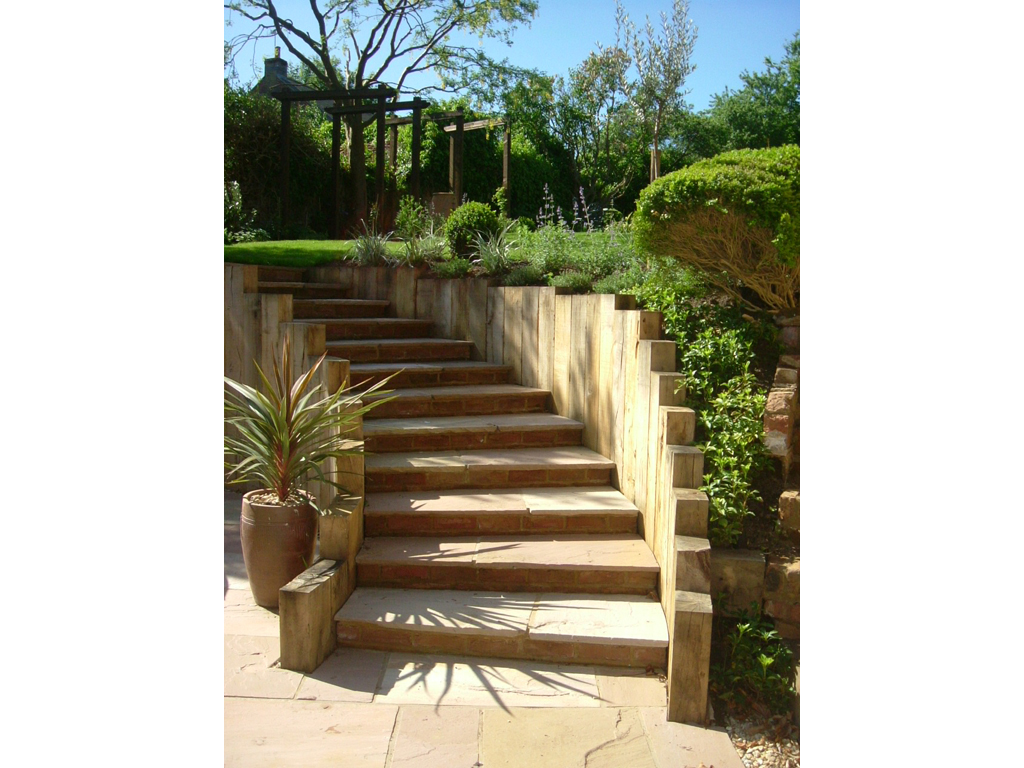 Garden design northhamptonshire james scott of the for Medium garden design
