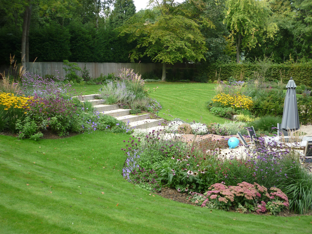 Garden design sarratt hertforshire designed by james for Garden design hertfordshire