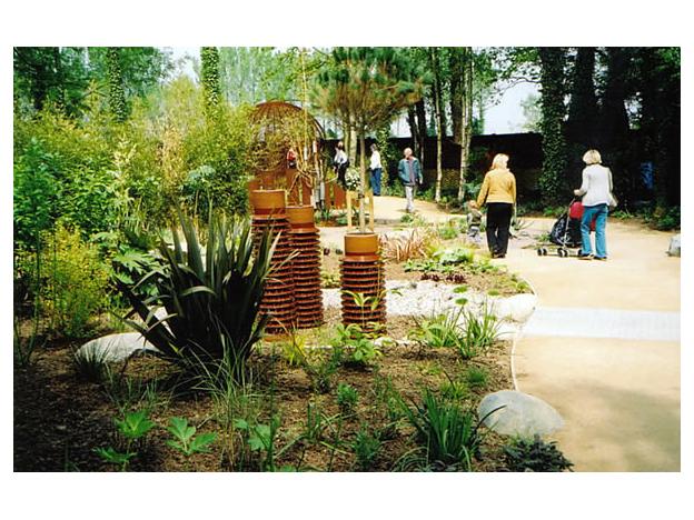 2004 winner mainly soft landscape construction under 1 hectare, Springfields, Camelgate, Spalding
