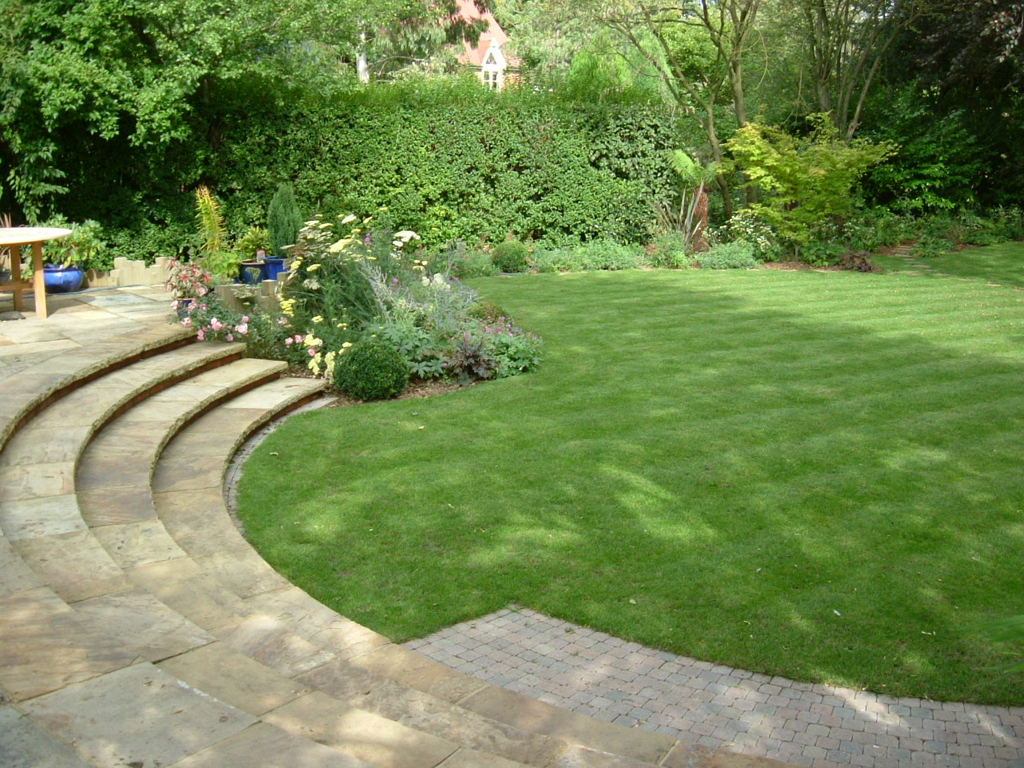 2004 winner Domestic Garden Scheme Construction between £10 - £50K, St Albans, Herts