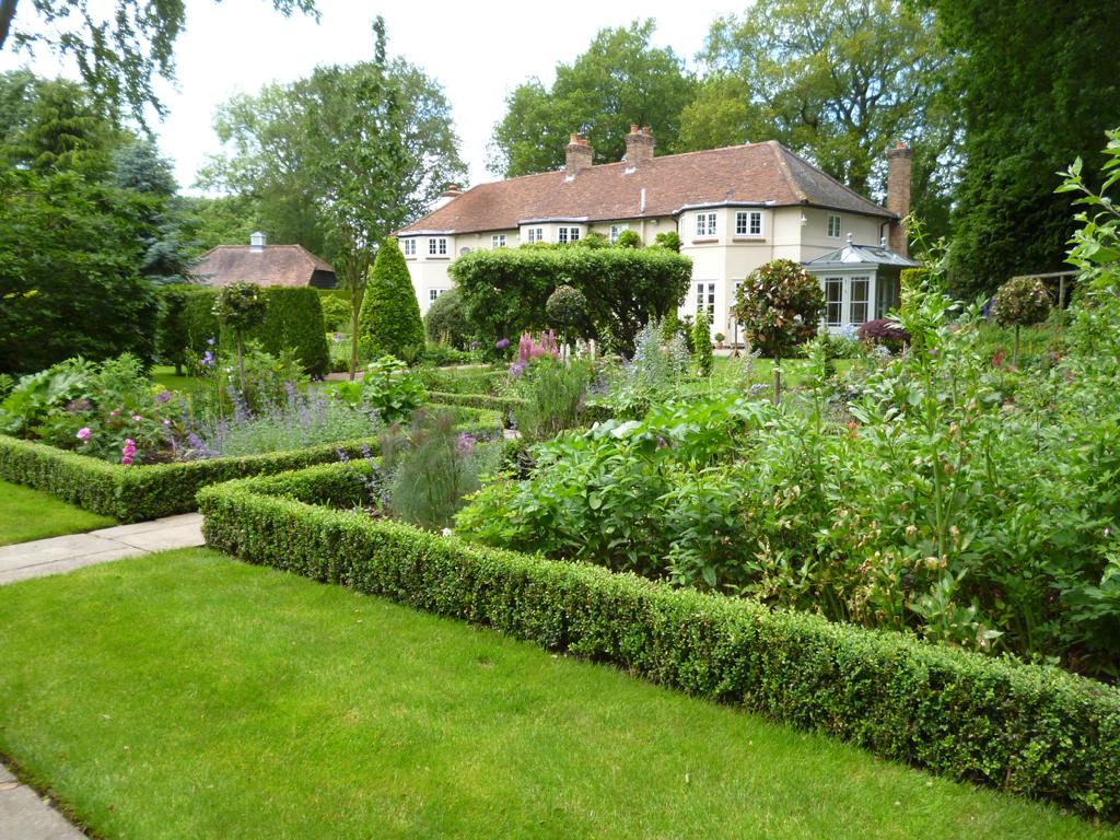 Garden Design, Bovingdon, Hemel Hempstead, Herts