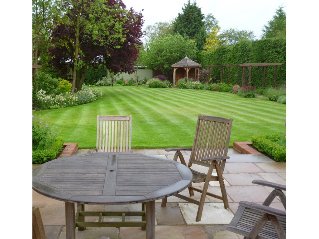Garden design Welwyn, Hertfordshire designed by James ... on Medium Sized Backyard Ideas id=61233