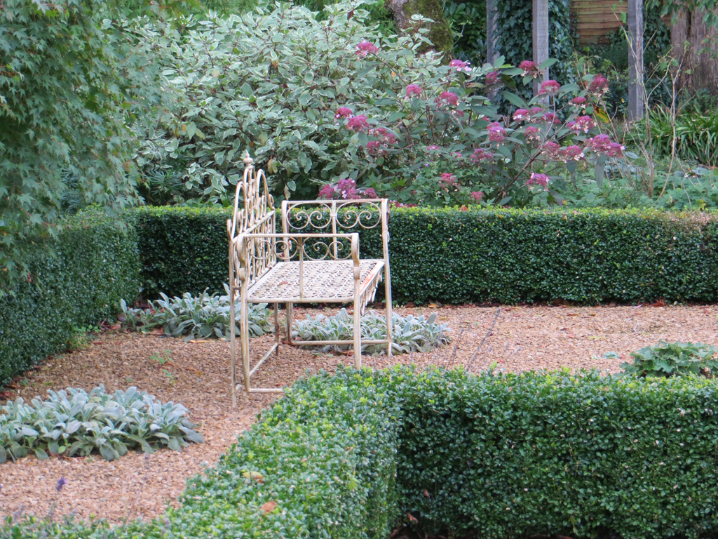 Garden design near Amersham, Buckinghamshire