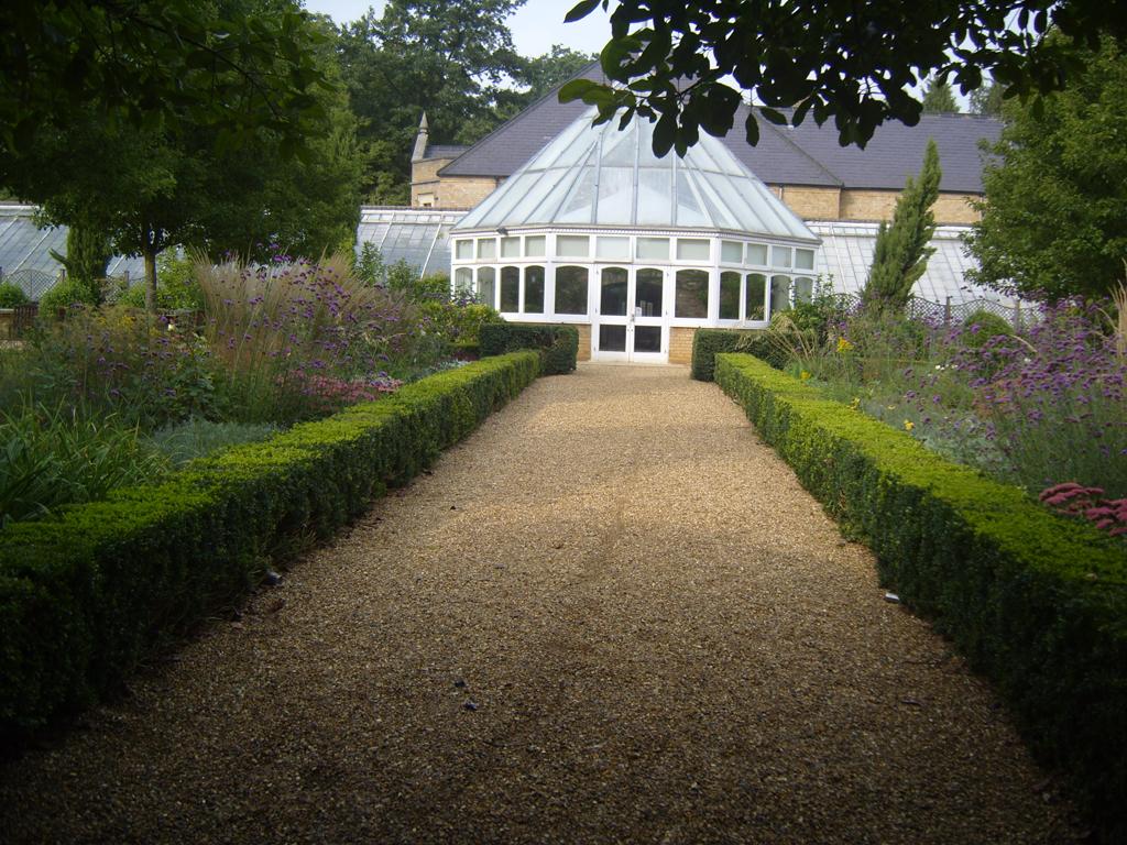 Herbaceous planting design by James Scott